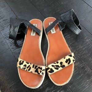 Steve Madden leopard straps  sandal Sz 10M